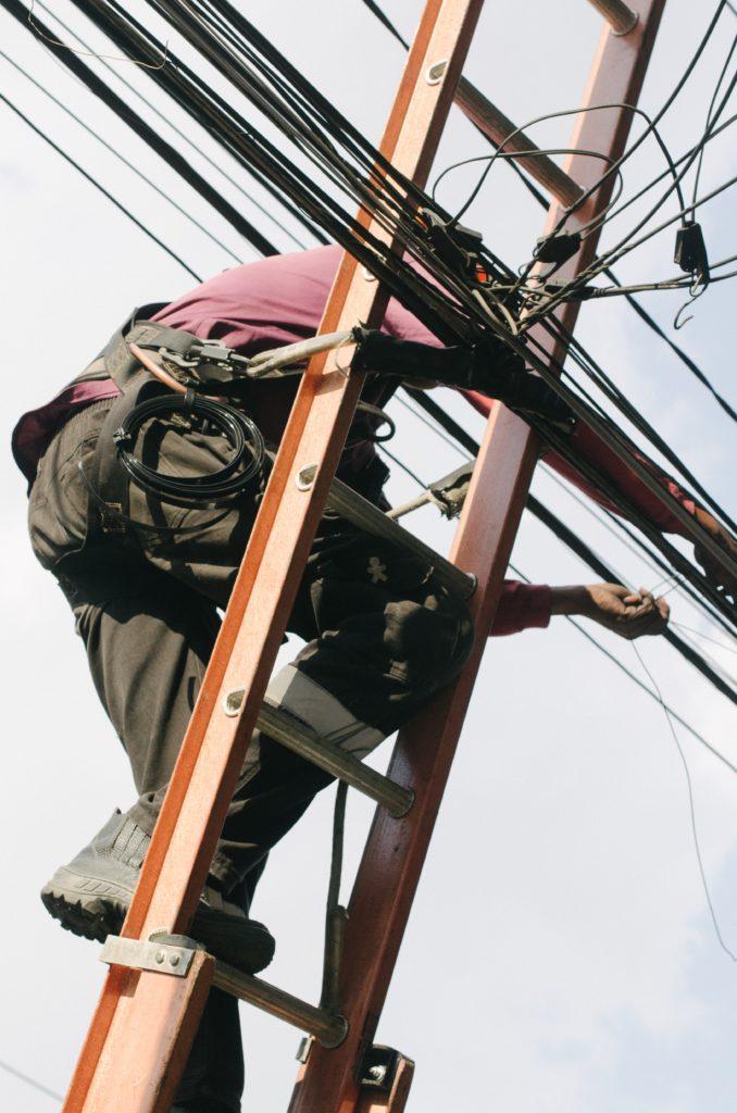 作業費はLAN工事の品質を測る重要な項目
